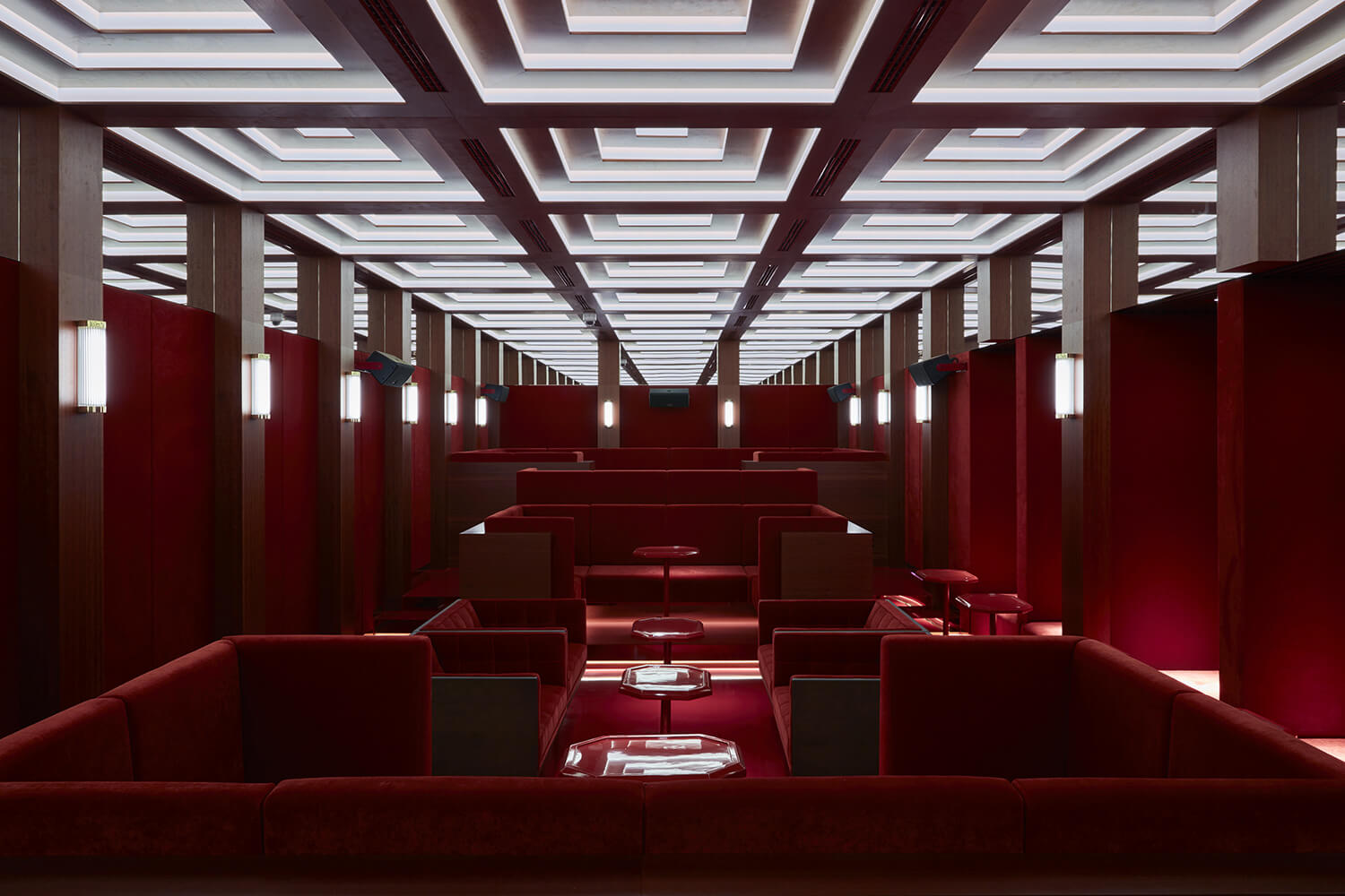 Roomers Munich Event Red