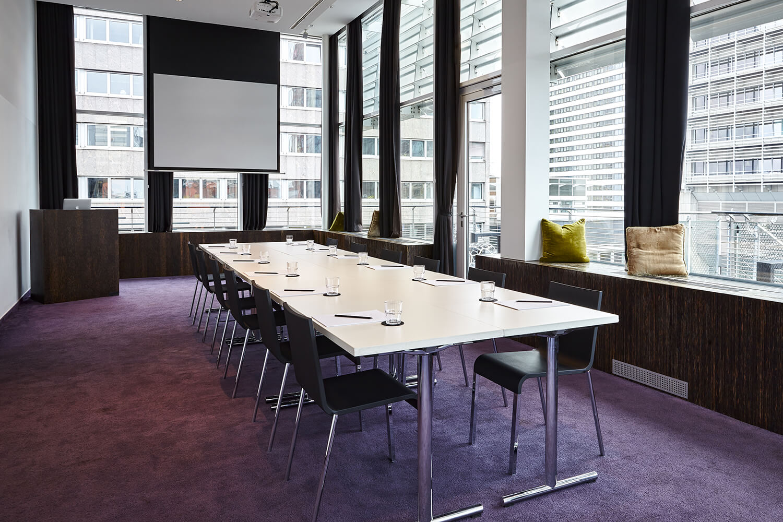 Roomers Frankfurt Gossip Meeting