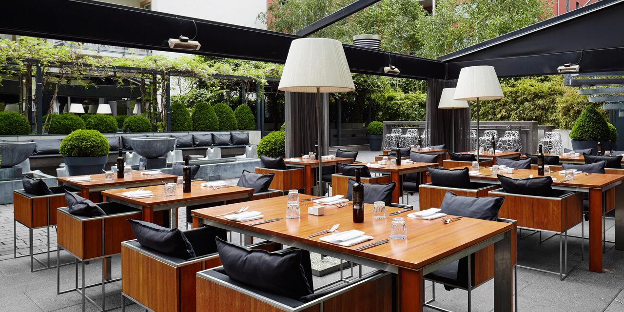 Roomers Frankfurt Burbank Restaurant Terrace